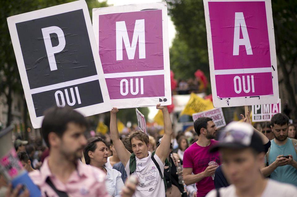 Rassemblement du 17 mai PMA pour Toutes @ Place de l'hôtel de ville | Rodez | Occitanie | France